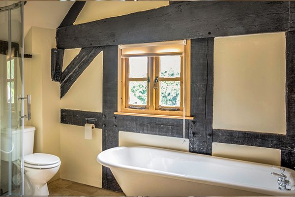 moorhall-bathroom