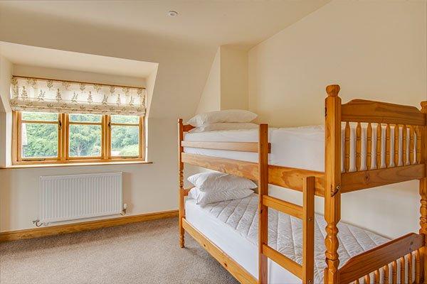 moorhall-self-catering-bedrooms-4