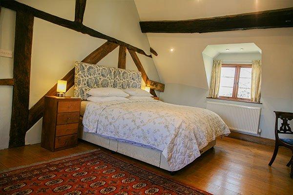 rafters-farm-room